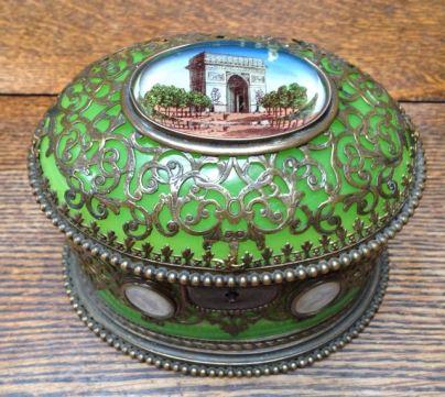 green-opaline-box