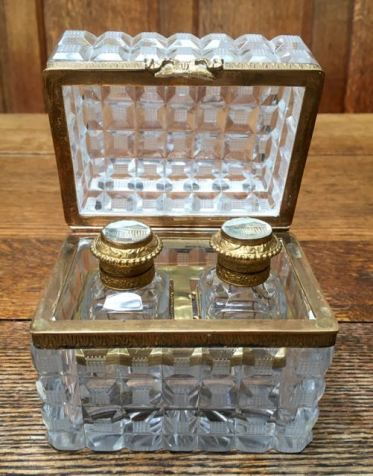 baccarat-box-with-bottles